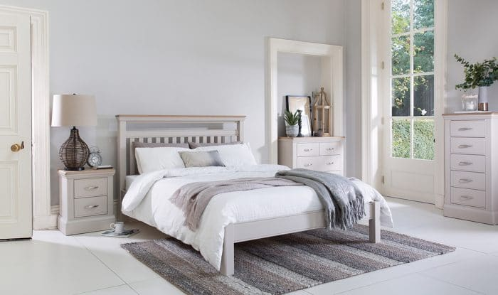 tenby bedroom room scene
