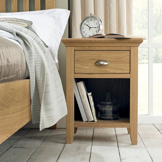 Twickenham Oak 1 Drawer Nightstand