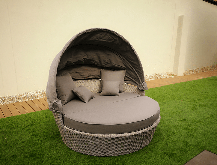 Cologne Daybed